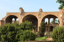 Basílica de Majencio y de Constantino
