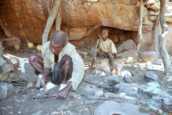 Pays Dogon, forgeron