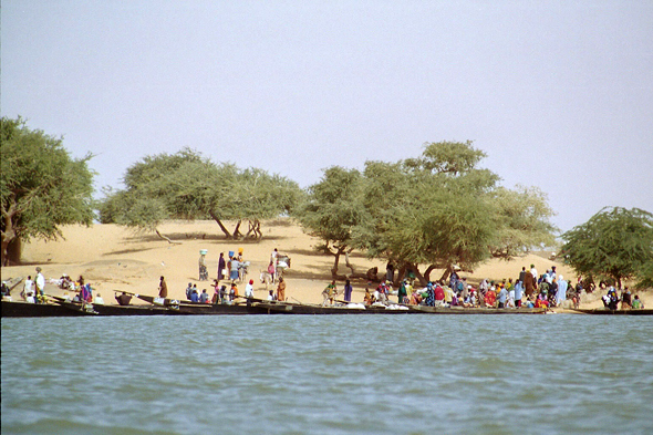 Mali, Niger river, village
