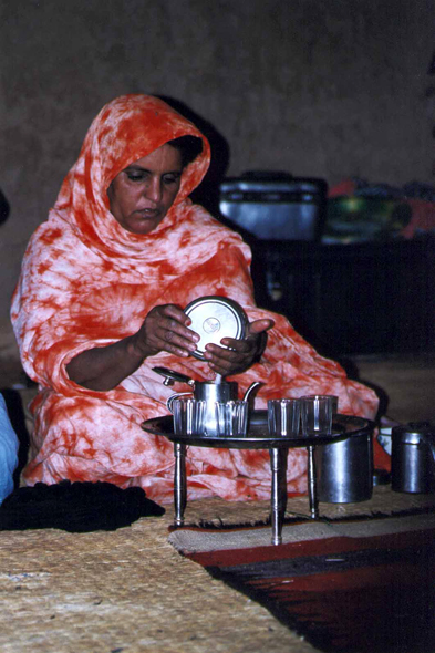 Mauritania, preparation of the mint tea