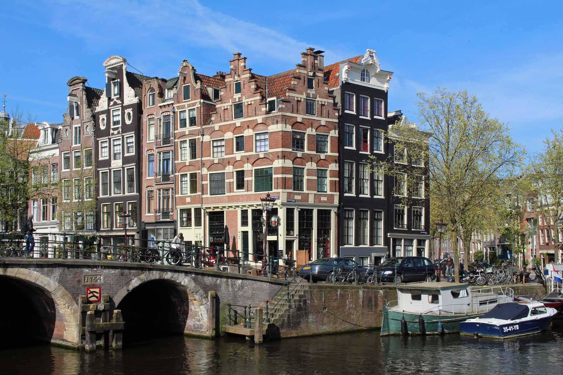 Amsterdam, typical houses, Prinsengracht Brouwersgracht
