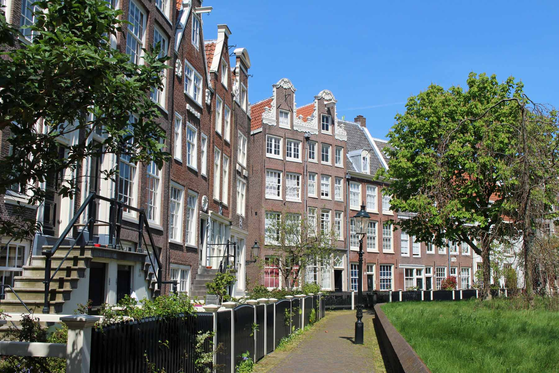 Amsterdam, Beguinage, houses