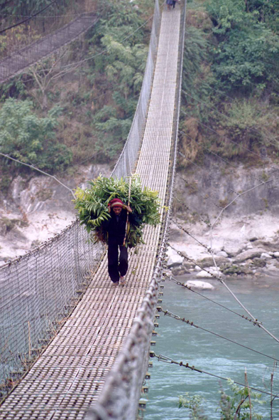 Trisuli river, suspension bridge