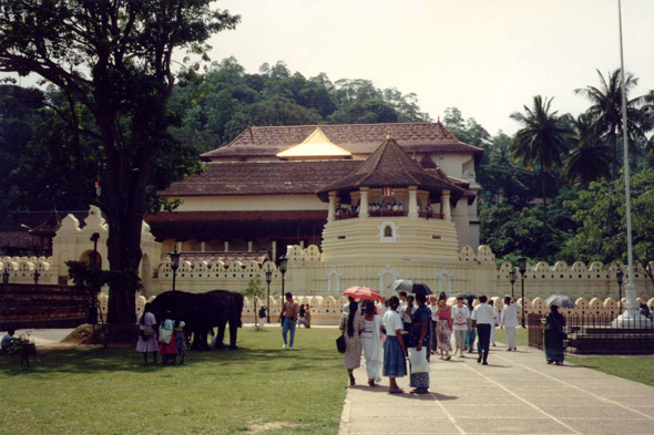 Kandy, temple of the Tooth