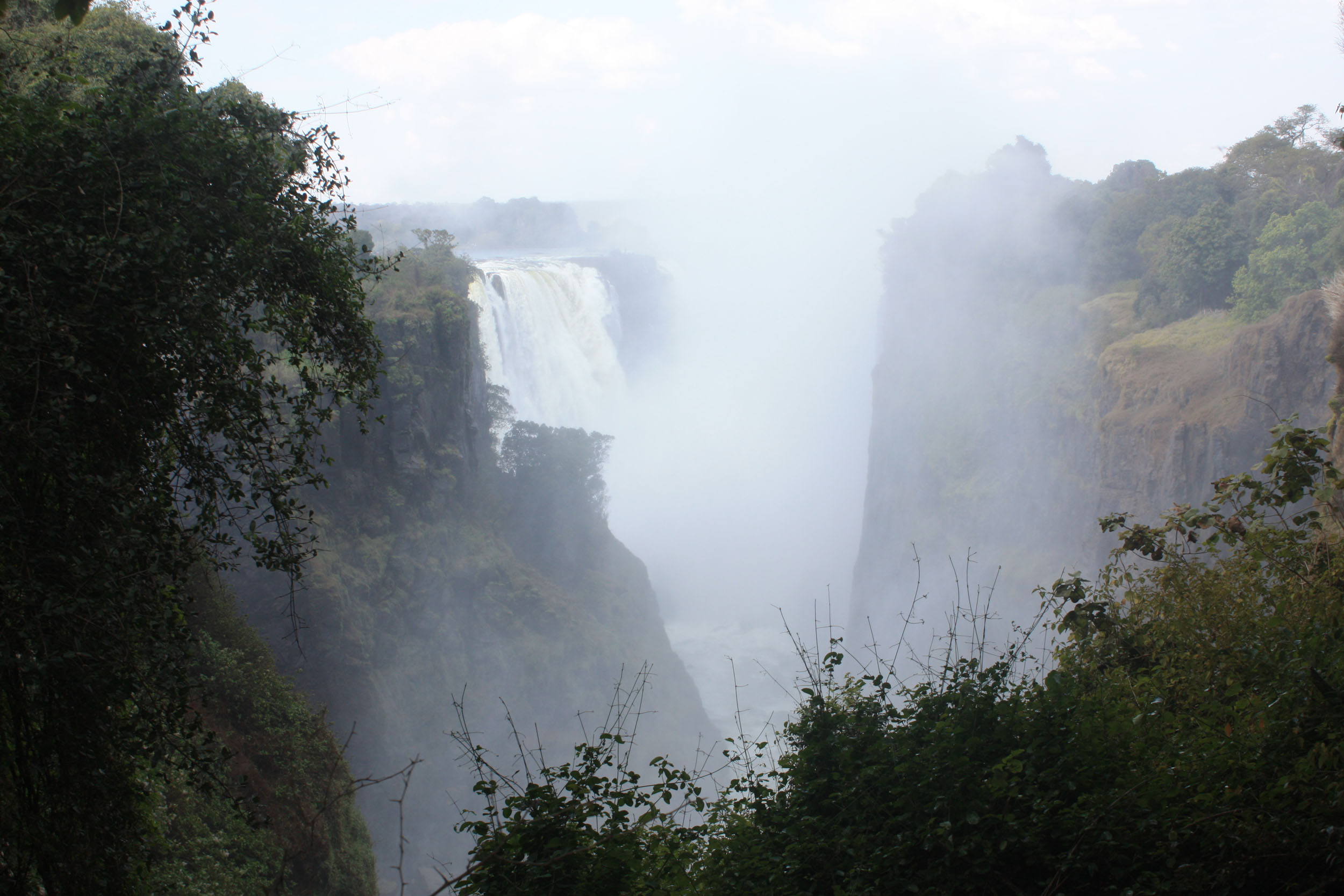 Zimbabwe, Victoria Falls, crash of the falls