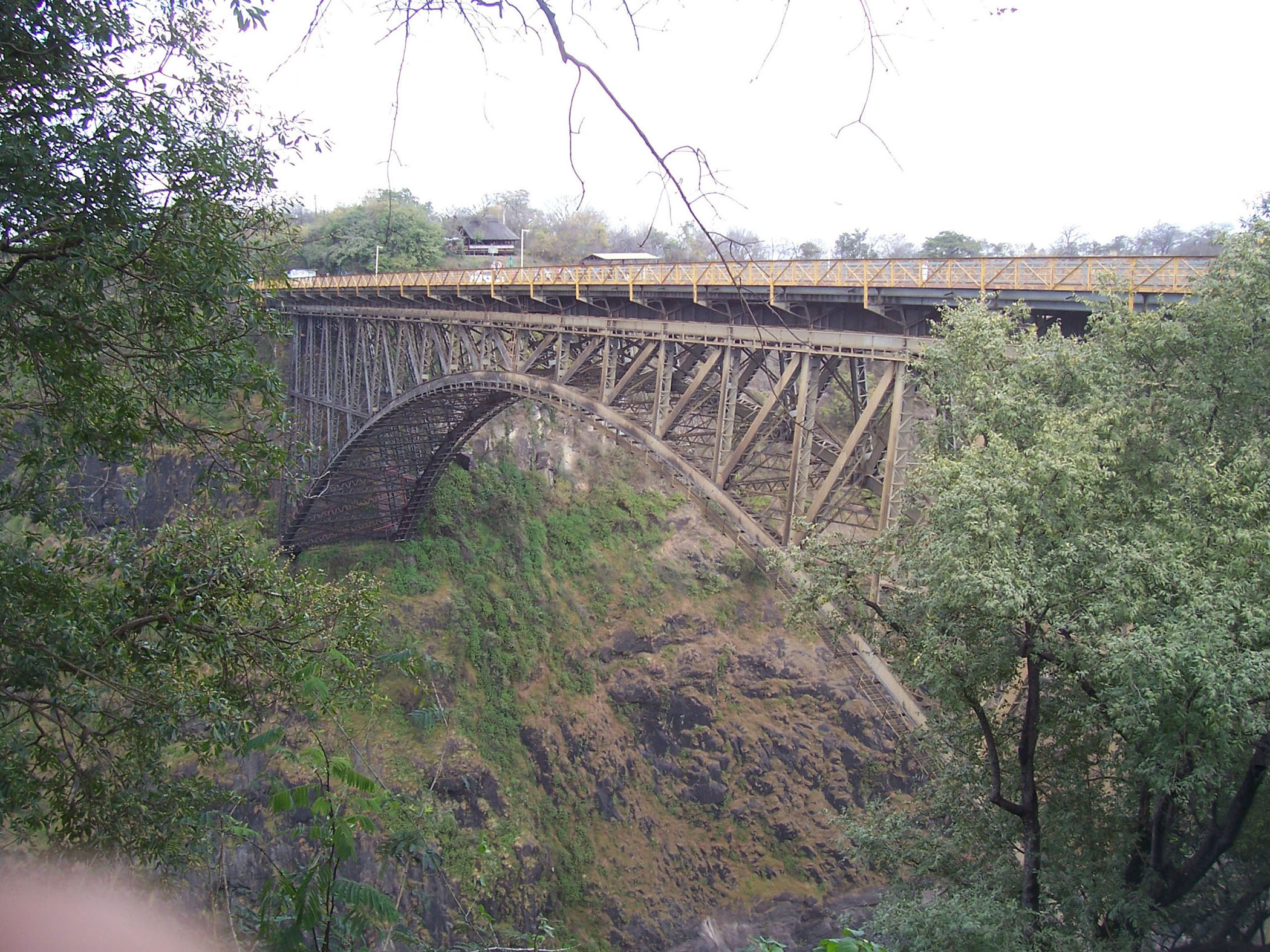 Zambezi Bridge, border